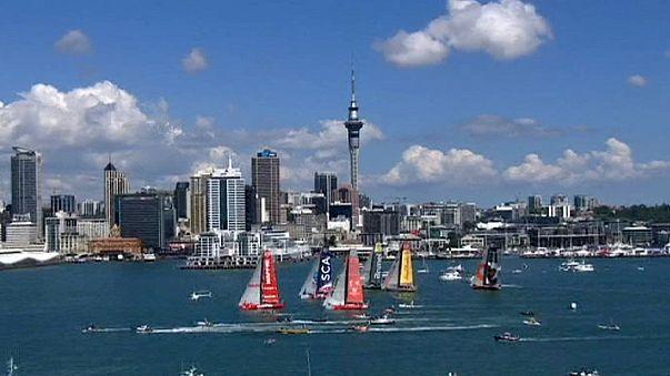 Volvo Ocean Race: Саманта Дэвис и яхта SCA выиграли портовую гонку в Окленде