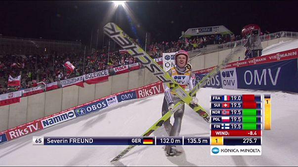 Salto con gli sci: Freund beffa Prevc, Coppa più vicina