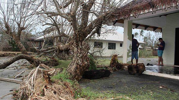 """Aufräumen nach Zyklon """"Pam"""": Erste Hilfsflüge erreichen Vanuatu"""
