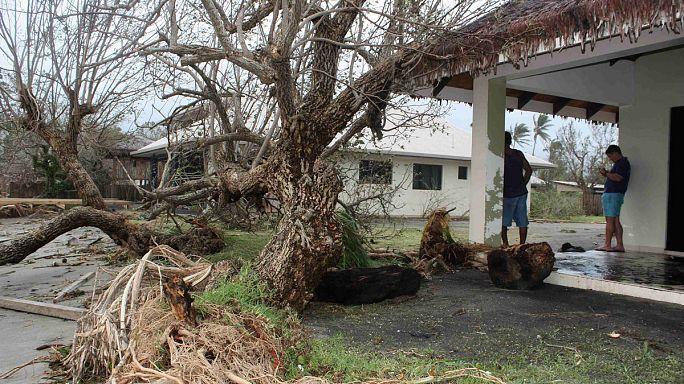 Vanuatu yıkıcı kasırga sonrası yaralarını sarıyor