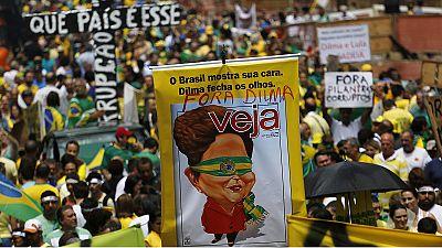 Brasilien: Zehntausende fordern Amtsenthebung der Präsidentin wegen Korruptionsskandal