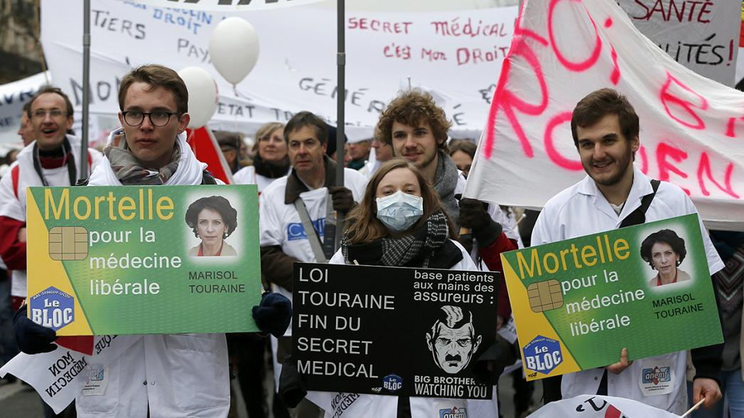Care, not paperwork, say French health workers