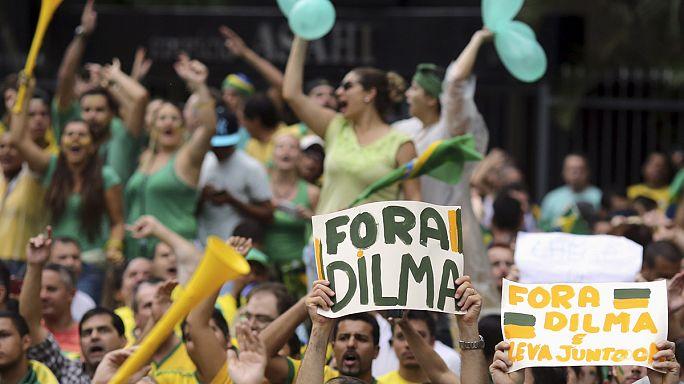 ملايين البرازيليين يتظاهرون للمطالبة برحيل الرئيسة ديلما روسيف