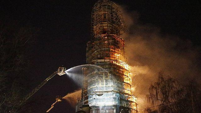 Moskova'da ünlü manastırda yangın çıktı