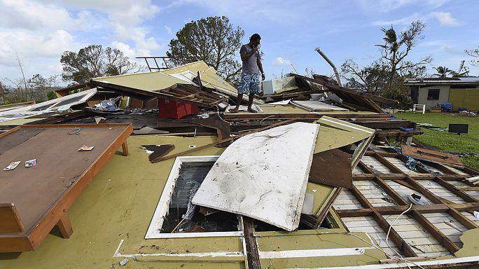 """إعصار """"بام"""" يخلف دمارا هائلا في فانواتو"""