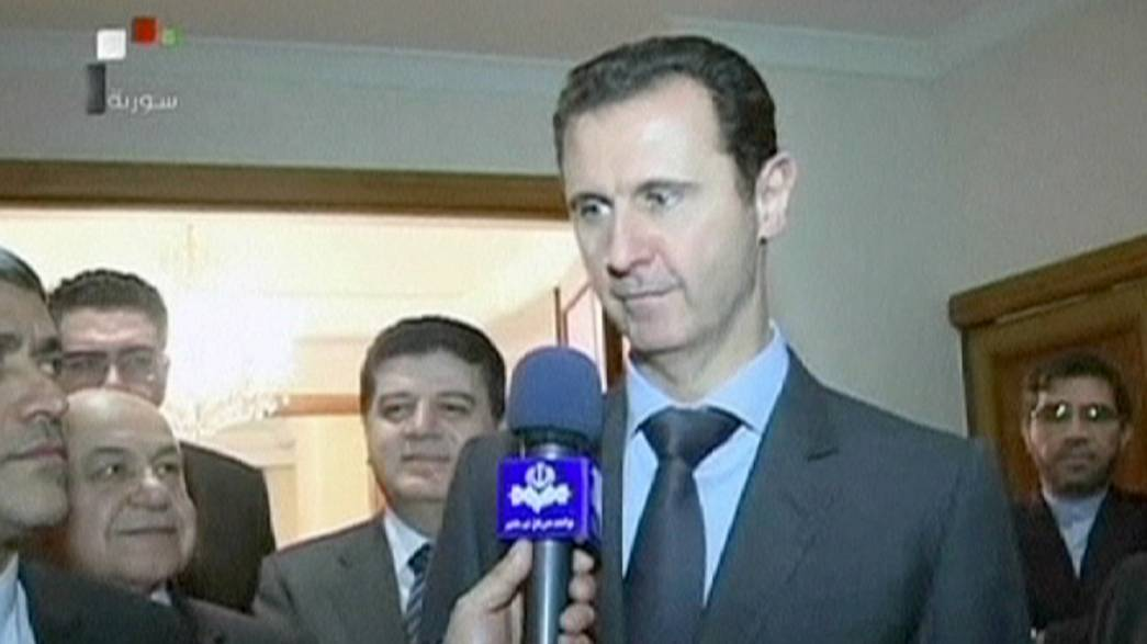 Syria: Assad shuns Kerry 'offer' of negotiations to end civil war