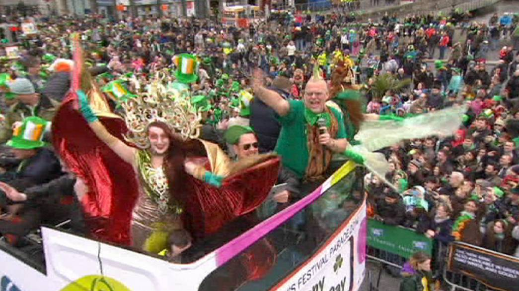 São Patrício celebra-se na Irlanda e no mundo