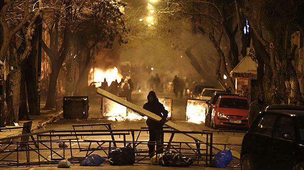 درگیری پلیس ضدشورش یونان با آنارشیست ها در آتن