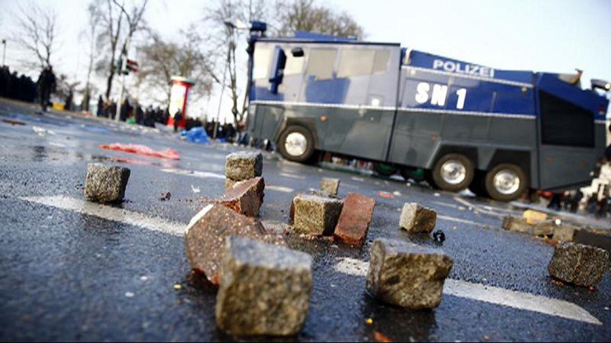 #Blockupy im Internet: Frankfurt brennt