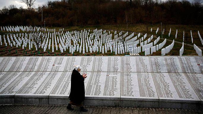 Huit ex-policiers serbes arrêtés 20 ans après Srebrenica