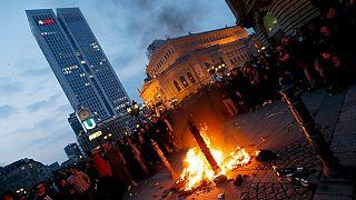 Inauguration du siège de la BCE : manifestation calme mais aussi violents heurts à Francfort