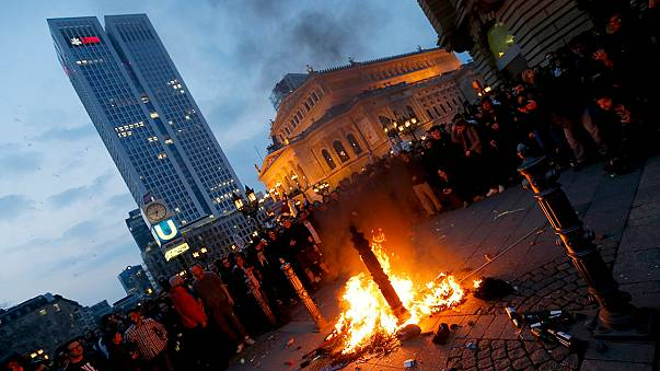 La batalla librada en las calles de Fráncfort marca la inauguración de la nueva sede del BCE