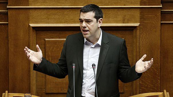 Megszavazta a görög parlament a Trojka által kritizált szegénységellenes törvényt