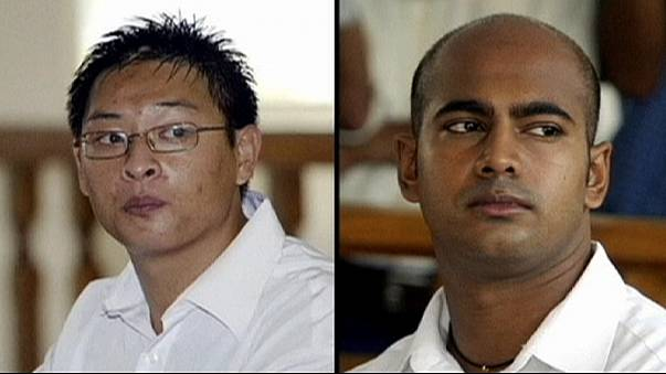 Indonesia delays death row hearings on two Australian drug convicts