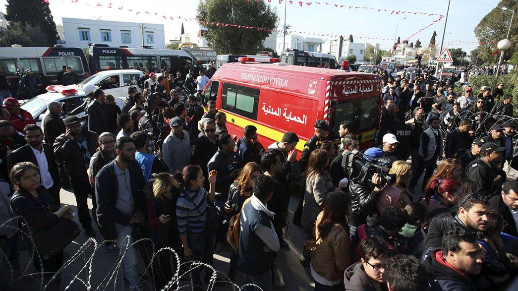 Tunisia sotto choc dopo la strage: si aggrava il bilancio delle vittime