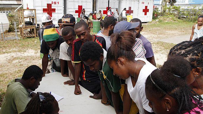 صعوبة وصول المساعدات لضحايا إعصار ضرب فانواتو