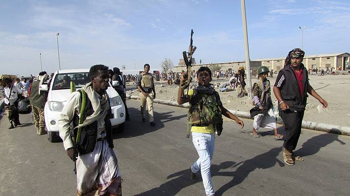 Yemen president flees palace as fighting erupts in Aden