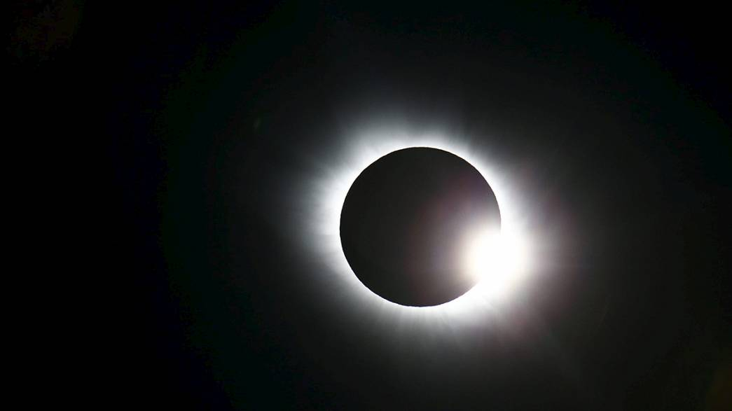 Veja os vídeos e as fotografias do eclipse do sol no dia do equinócio da primavera