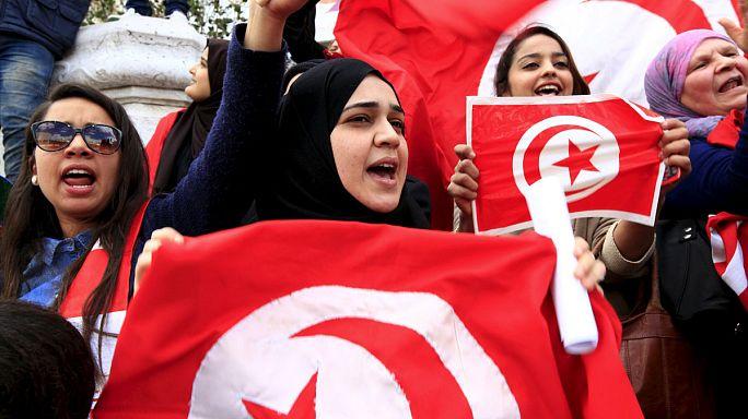 Tunus bağımsızlık gününü terörist saldırının gölgesinde kutladı