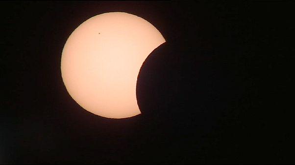 E do dia se fez noite: Eclipse total do sol anunciou a Primavera