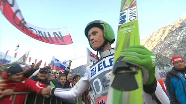 سلوفينيا تحقق الثنائية في بلانيكا في مسابقة القفز على الثلج