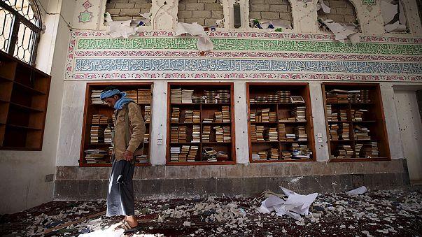 إرتفاع حصيلة تفجيرات المساجد في صنعاء إلى 142 قتيلا