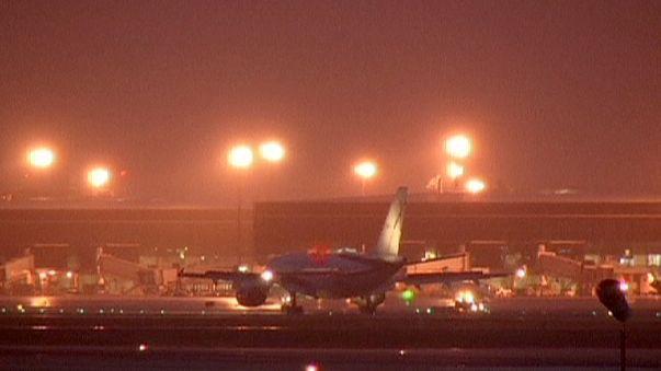 Aterriza en Barcelona el avión con las víctimas de Túnez