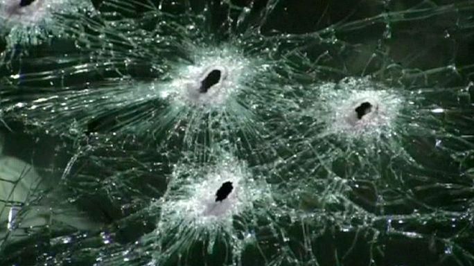 Meksika'da uyuşturucu çeteleri polis konvoyunu pusuya düşürdü