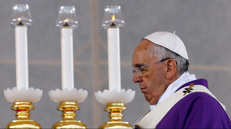 """Papa'dan mafyaya çağrı: """"Annelerin gözyaşlarını dindirin"""""""