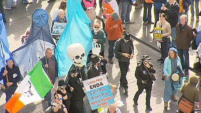 Concentración masiva en Dublín contra la introducción de tarifas de agua