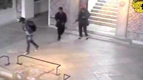 """Тунис: новые видеокадры теракта в музее """"Бардо"""""""