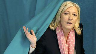 El ultraderechista Frente Nacional, favorito en las elecciones departamentales en Francia