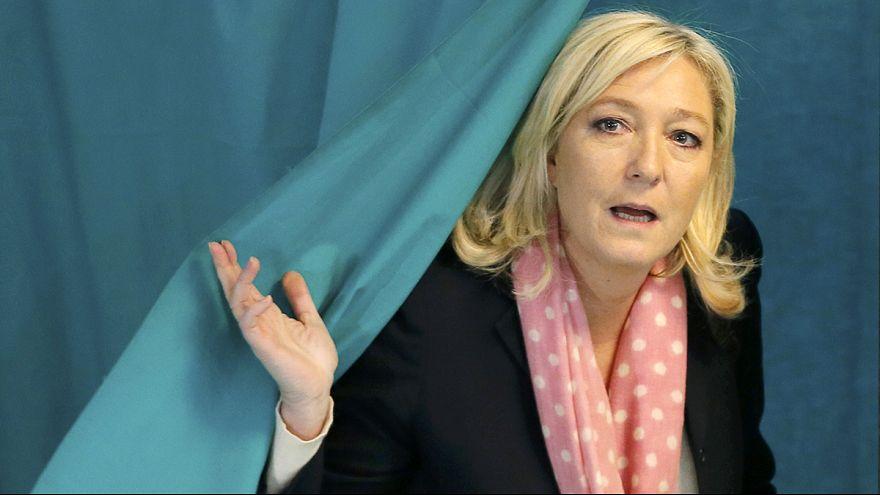 Fransa'da bölge meclisi seçimlerinin favorisi Ulusal Cephe