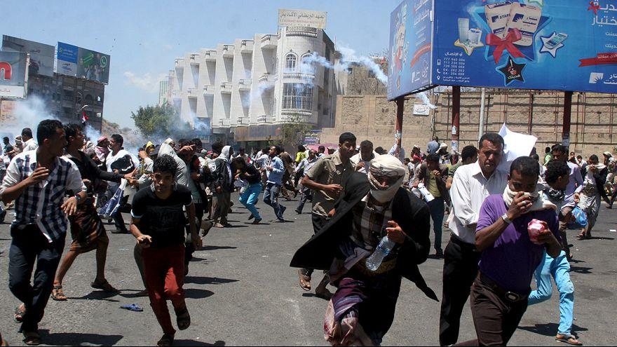 مقتل شخص وإصابة خمسة في مظاهرات ضد الحوثيين في تعز