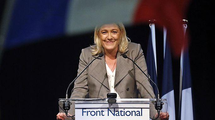 """Франция: """"Национальный фронт"""" не стал первым"""