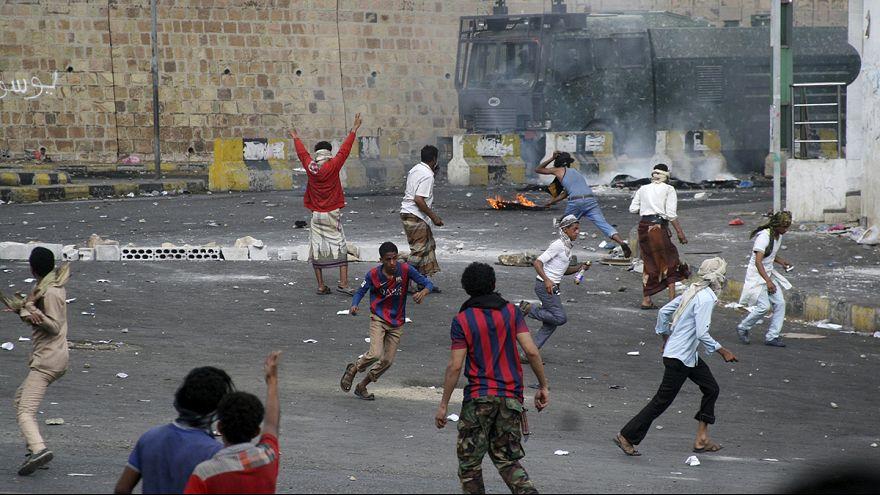 Iémen apela à ajuda dos países do Golfo para travar ofensiva Houti