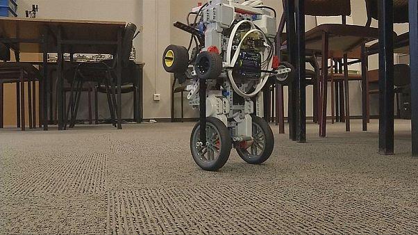 Építsünk magunknak robotot! - RoboCORE