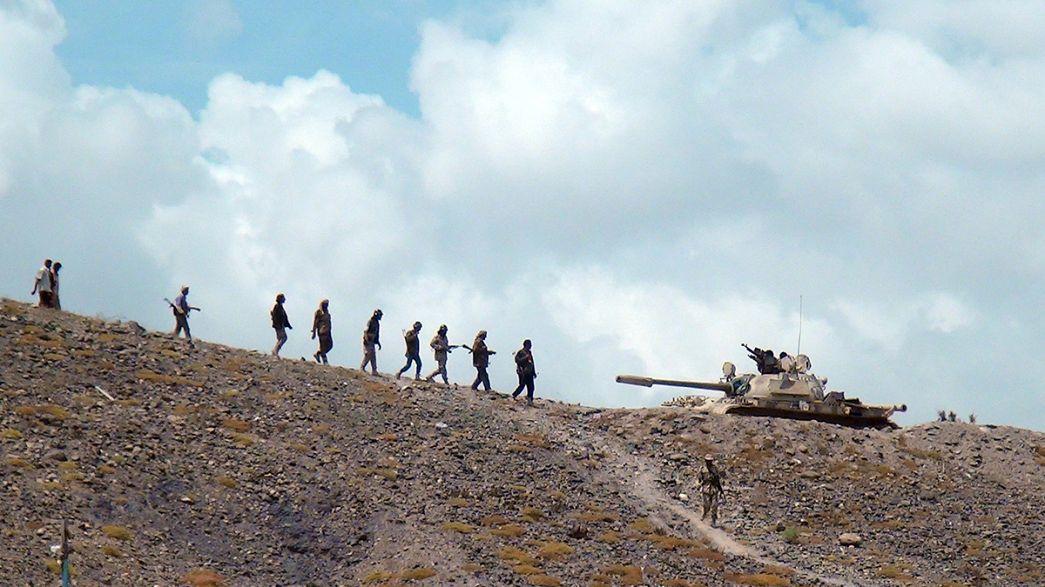 Jemenitische Aufständische rücken weiter auf Aden vor
