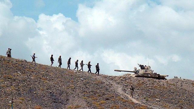 Yemen'de Husilerin güneydeki Aden'e ilerleyişi sürüyor