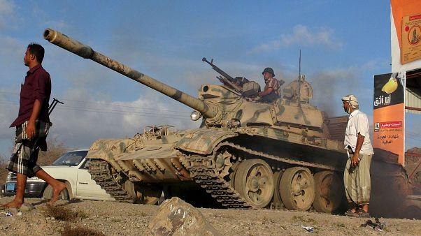 الحوثيون على أبواب عدن، ونداءات لتدخل عربي أو خليجي