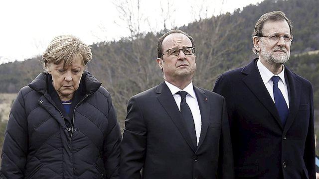 Együtt emlékezett a légi katasztrófa áldozataira Merkel, Hollande és Rajoy