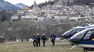 Germanwings crash: recovery mission 'difficult' amid bad weather