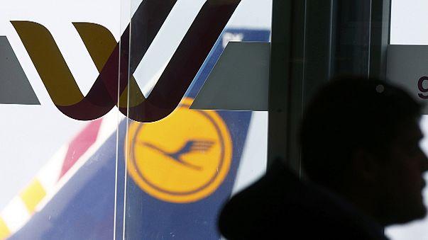 Kizárta a pilótafülkéből társát az egyik pilóta a Germanwings lezuhant gépén