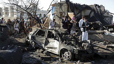 """Yemen, raid aerei sauditi su Sanaa. I ribelli: """"colpiti civili"""""""
