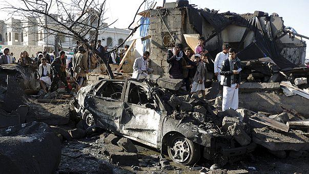 Más de 10 civiles mueren por bombardeos en Yemen