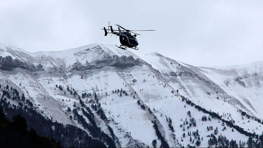 Einer der beiden Germanwings-Piloten offenbar aus Cockpit ausgesperrt - Hier Liveblog