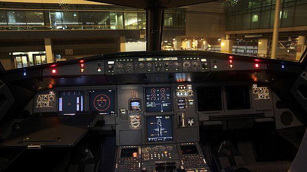 """""""Kokpitteki pilot bayılmış olsaydı kapı 30 saniye içerisinde otomatik olarak açılırdı"""""""