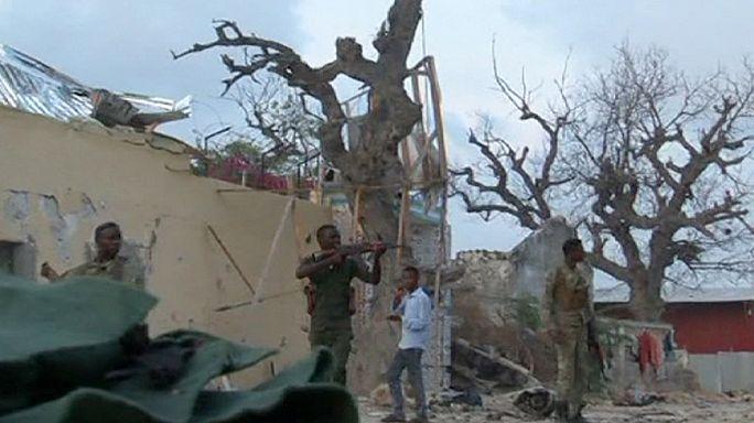 Somali'de kanlı otel baskını