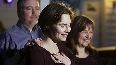 """Omicidio Meredith, Knox e Sollecito in lacrime dopo assoluzione. Legali di Meredith: """"giustizia italiana sconfitta"""""""