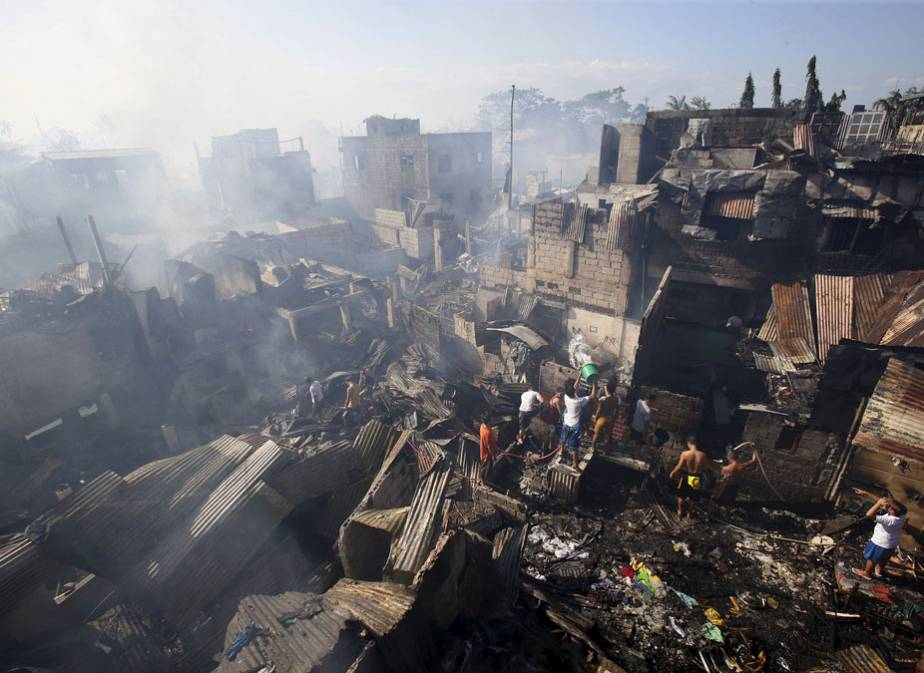 Philippines : un quartier ravagé par le feu